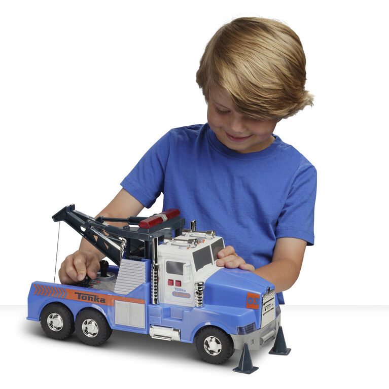 Mighty Motorized Tow Truck