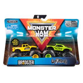 Monster Jam, Coffret de 2 véhicules authentiques Brodozer vs Gas Monkey, Monster trucks en métal moulé à l'échelle 1:64
