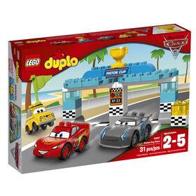 LEGO DUPLO Cars Disney Pixar La course de la Coupe Piston 10857