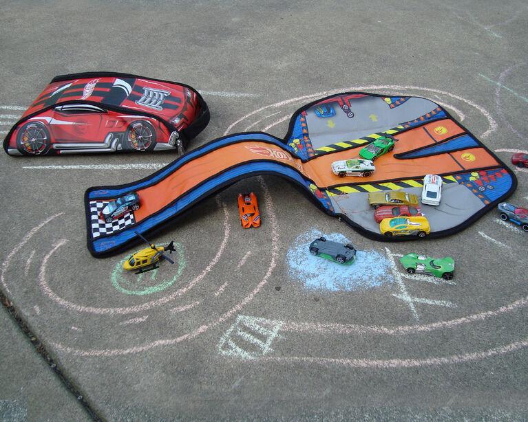 Hot Wheels ZipBin 45 Car Crash Red Racer Backpack w/ Car
