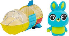 Disney/Pixar Toy Story Bunny and Carnival Rocket - English Edition