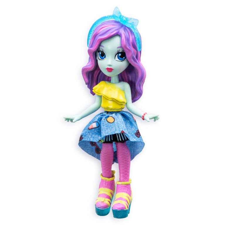 Off The Hook Style Doll, Brooklyn (Summer Vacay), 4-inch Small Doll with Mix and Match Fashions - R Exclusive