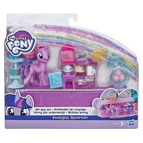 My Little Pony On-the-Go Twilight Sparkle - Figure with 14 Accessories and Storage Case